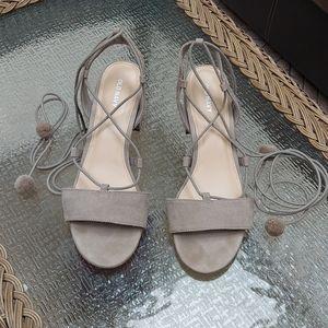 Old Navy, beige sandals, size 9